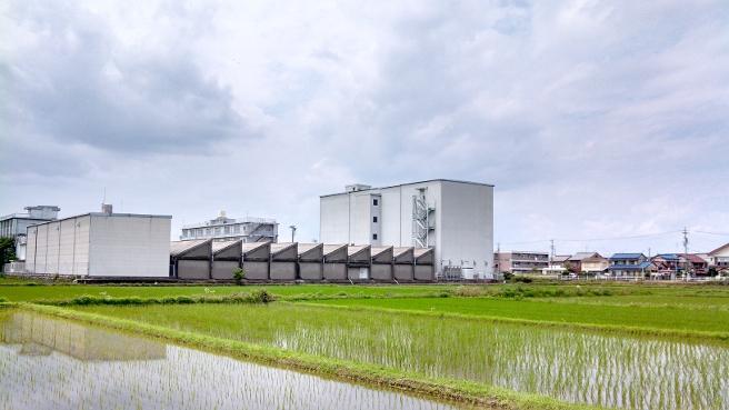 ノコギリ屋根の工場