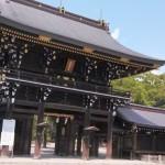 真清田神社の境内